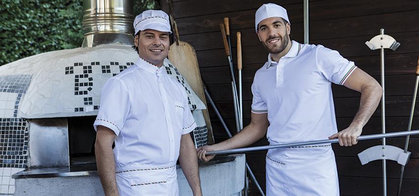 Abbigliamento per pizzaioli freschi e resistenti. Divise professionali  economiche per pizzerie. Prodotti certificati UNI EN ISO 13688 2013 eceb20075a81